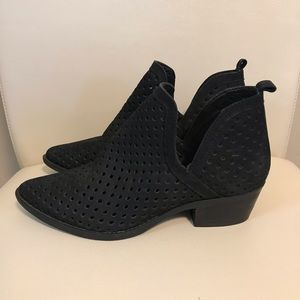 Steve Madden Leather Mesh Booties